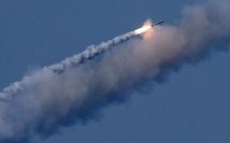 Hàng loạt tên lửa phóng đi từ Địa Trung Hải tấn công Syria: Thế lực nào thực sự đứng sau?