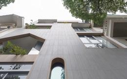 Ngôi nhà với nhiều mái vòm và cửa sổ ở Nam Định