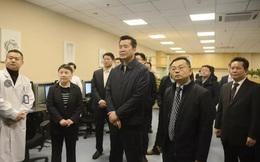 Tân Hoa Xã: Ba quan chức Vũ Hán bị triệu tập họp khẩn trong đêm, đỏ bừng mặt nghe khiển trách