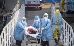 """Giữa tâm dịch Vũ Hán, nhiều bệnh nhân """"ngoài lề"""" khốn khổ vì bệnh viện quá tải, thiếu thốn vật tư y tế"""