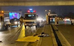 Va chạm xe ô tô 16 chỗ, người đàn ông đi xe máy ngã sang làn đường bên cạnh tử vong