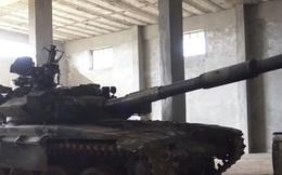"""Xe tăng T-90 Syria bị phiến quân """"tóm sống"""", nghênh ngang đánh trả quân chính phủ"""