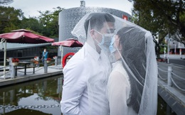 24h qua ảnh: Đeo khẩu trang chụp ảnh cưới thời dịch Corona