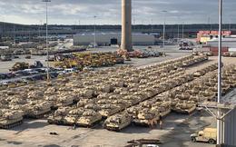Phát hoảng với rừng xe bọc thép Mỹ tập kết ở biên giới Nga để tập trận với NATO
