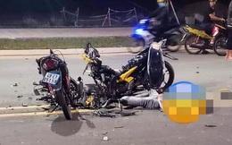 2 chiếc xe máy nát bét sau va chạm trên phố Sài Gòn khiến mạng xã hội sáng thứ Hai xôn xao