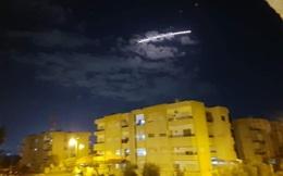 Israel bất ngờ tấn công ồ ạt, PK Syria choáng váng nhưng vẫn khai hỏa dồn dập - Damascus rực lửa