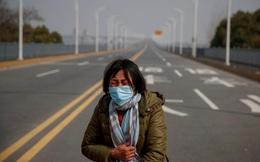 24h qua ảnh: Mẹ cầu xin cho con gái rời vùng dịch virus corona để chữa ung thư