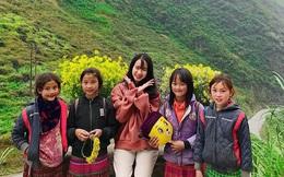 """Đi Hà Giang, cô gái được mẹ chụp cho loạt ảnh """"nghìn like"""": Câu chuyện phía sau khiến tất cả thích thú"""