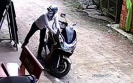 Trộm xe máy, 2 thanh niên dùng CMND của nạn nhân để đi thuê nhà nghỉ bị công an mật phục, bắt giữ ở Sài Gòn