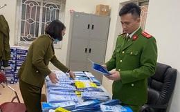 Phát hiện nam thanh niên nhập lậu khẩu trang về bán kiếm lời ở Hà Nội