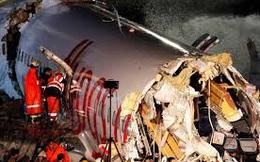 Kinh hoàng máy bay Thổ Nhĩ Kỳ gãy làm ba khi hạ cánh, 3 người thiệt mạng