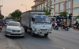 Cô gái 19 tuổi tử vong, người anh ruột bị thương do va chạm với xe tải ở Sài Gòn