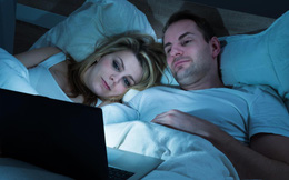 6 thói quen xấu trước khi đi ngủ: Hỏng giấc ngủ, giảm sức khỏe, chưa già đã sinh bệnh