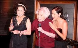 Xúc động giây phút danh ca Thái Thanh 80 tuổi, mắc bệnh nặng vẫn đứng hát lần cuối cùng con gái Ý Lan