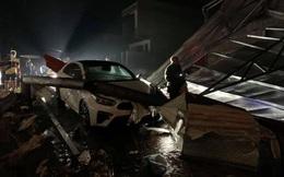 Mưa đá ở Yên Bái làm nhiều nhà dân tốc mái, ô tô, xe máy đổ la liệt trên đường