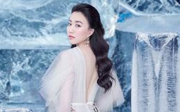 Huỳnh Hồng Loan đẹp hút hồn khi diện đầm gợi cảm, chụp ảnh cùng băng đá