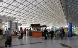 Vụ 46 người Việt mắc kẹt ở sân bay Pháp: 26 người dự kiến được về nước vào ngày mai