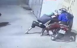 Nữ tài xế GrabBike trình báo bị khách tấn  công bằng roi điện, cướp xe máy trong đêm ở Sài Gòn