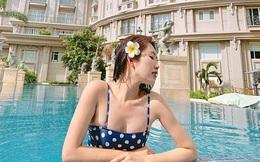 Thúy Ngân khoe ảnh diện bikini gợi cảm