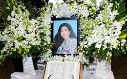 Nghệ sĩ, dư luận bức xúc trước những trò lố phản cảm trong đám tang của Mai Phương