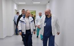 RT: Bác sĩ từng đón tiếp ông Putin vào ngày 24/3 được xác nhận dương tính với COVID-19