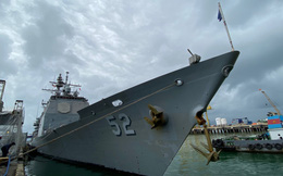 ẢNH: Cận cảnh tàu tuần dương khổng lồ của Hải quân Mỹ vừa cập cảng Đà Nẵng