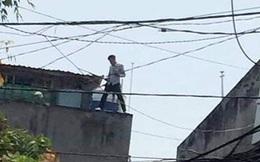 Bị kiểm tra 2 thanh niên phê ma tuý xịt hơi cay vào cảnh sát rồi trốn lên mái nhà ở Sài Gòn
