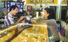 Giá vàng chạm ngưỡng 1.700 USD/ounce
