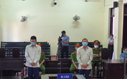Đánh cán bộ công an kiểm tra phòng, chống dịch, 2 bị cáo lãnh án tù