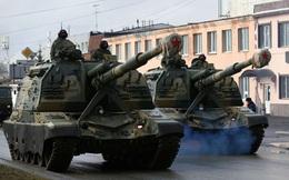 Binh sĩ Nga đeo khẩu trang kín mít tập duyệt binh Ngày Chiến thắng