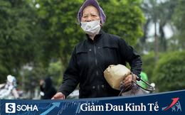 """Cây ATM gạo miễn phí ở Hà Nội: """"Mỗi ngày bớt đi mấy chục nghìn tiền gạo cũng đỡ 1 khoản lo"""""""