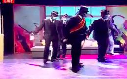 Nhóm vác quan tài nhảy múa bất ngờ nổi tiếng, được biểu diễn trên sóng truyền hình