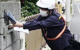 Người Nhật Bản bức xúc vì bị phát khẩu trang tái sử dụng dính bụi, côn trùng
