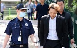 Vừa rục rịch trở lại showbiz, Yoochun tiếp tục hầu tòa vì mãi chưa làm điều này cho nạn nhân bị tấn công tình dục