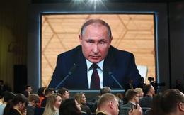 """Điện Kremlin thừa nhận dịch COVID-19 là thách thức lớn, tiết lộ TT Putin """"chưa bao giờ sợ hãi"""" về một điều"""
