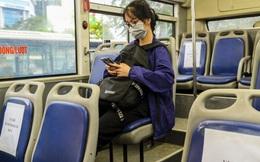 Xe buýt Hà Nội đánh số ghế so le để hành khách ngồi đúng khoảng cách