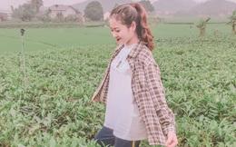 Nghỉ học về quê hái chè, nữ sinh Thái Nguyên bỗng gây chú ý vì bức ảnh chụp vội đăng trên trang cá nhân