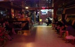 Quán karaoke ở Đà Nẵng bất chấp lệnh cấm, mở cửa đón khách hàng loạt