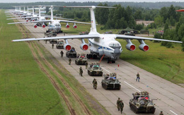 Lính dù Nga lập kỳ tích chưa từng có với màn nhảy dù từ độ cao 10 km ở Bắc Cực