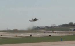 Video: Khoảnh khắc tiêm kích F-15QA cất cánh và leo dốc đầy ngoạn mục
