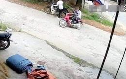 Gây tai nạn xong, quay lại xem thấy nạn nhân đã tử vong, 2 người đàn ông bỏ trốn