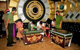 Thu hồi giấy phép karaoke Big Big World, thêm quán karaoke hoạt động bất chấp Covid-19