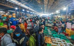 """[ẢNH] Chợ hải sản Cần Giờ """"không lối thoát"""", chật kín người dịp nghỉ lễ 30/4"""