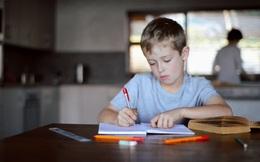 Con trai viết 1 mẩu giấy khiến mẹ giận run người, hành động sau đó của cô khiến ai cũng nể phục
