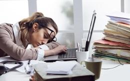 Thường xuyên tăng ca tới khuya, cô gái vẫn bị công ty đào thải: Lý do cảnh tỉnh nhiều người