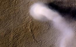 """Cơn lốc bụi khổng lồ trên sao Hỏa: """"Quỷ bụi Serpentine"""" lại xuất hiện?"""