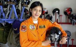 Quân đội Indonesia lần đầu có nữ phi công lái máy bay chiến đấu