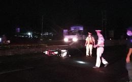 1 cảnh sát giao thông bị thương nặng do đối tượng đua xe tông thẳng vào người