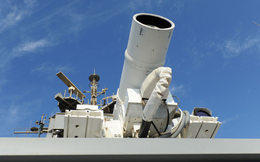 Chuyên gia Nga nghi ngờ về hiệu quả của vũ khí laser Mỹ trên biển
