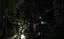 Bé trai 4 tuổi lọt xuống mương nước mất tích trong cơn mưa tầm tã